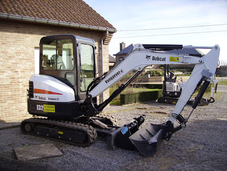 MINI-GRAAFMACHINE BOBCAT 331 / E32 3.5 TON