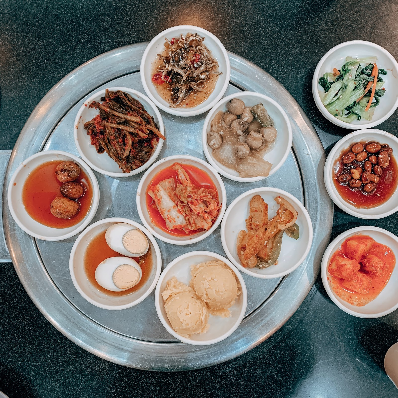 bowl-of-food-on-gray-tray-2781540