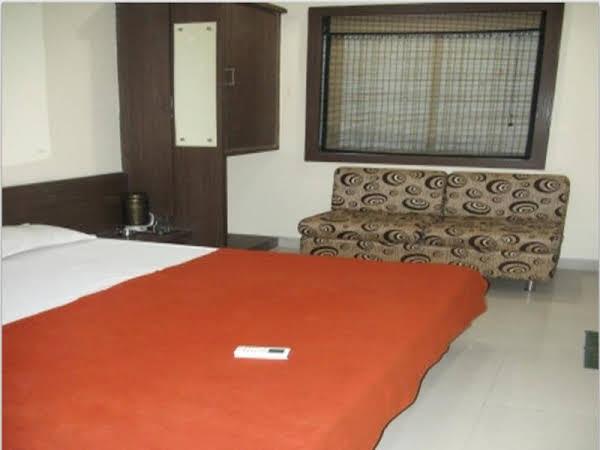 Vista Rooms at Bapu Gandhi Nagar