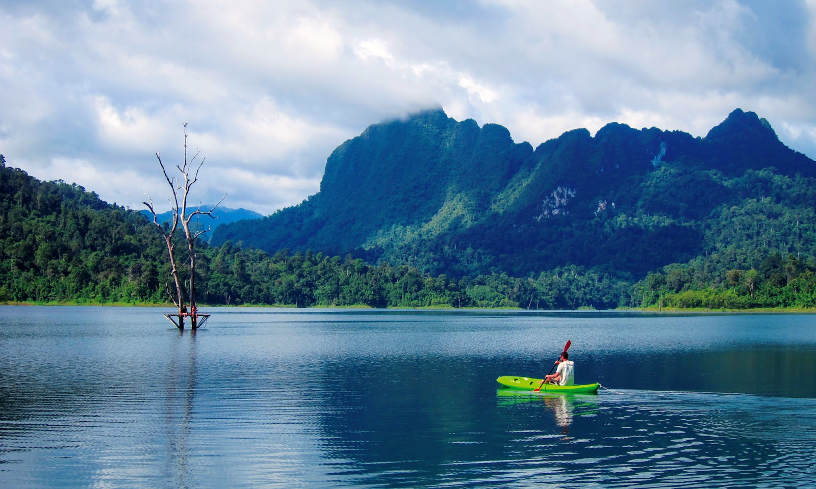 1 Day Khao Sok Jungle Safari and 2 Days Cheow Lan Lake Explorer from Krabi