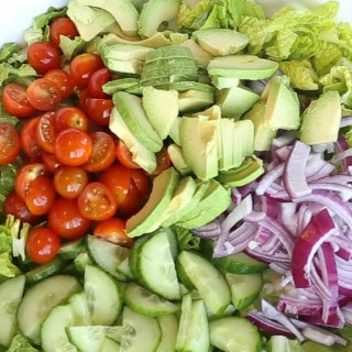 ROMAINE TOMATO AVOCADO SALAD Recipe