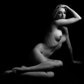 Beauty without pretense by Trish Beukers - Nudes & Boudoir Artistic Nude