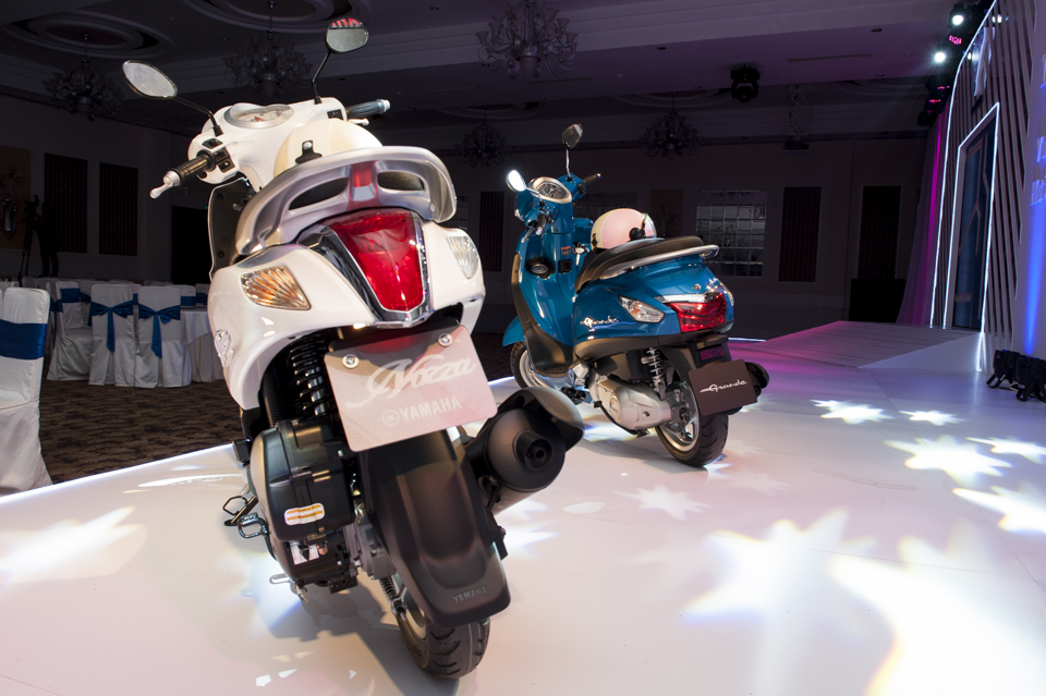 đèn sau Yamaha Nozza 2011.jpg