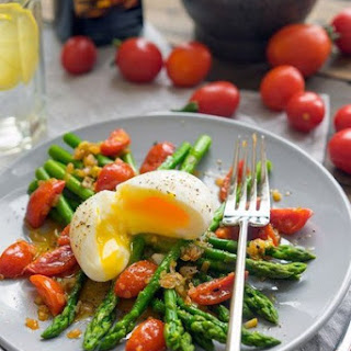 Salad With Asparagus And Tomatoes