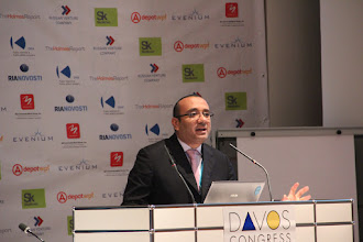 Photo: Mohamed Al Ayed, opening the HR/CEO vs PR (who should run internal/employee comms?) Debate - 2012