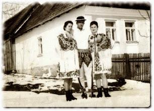 Photo: od prawej Moczarna Maria,Zubek Stanisław,Zubek Maria.