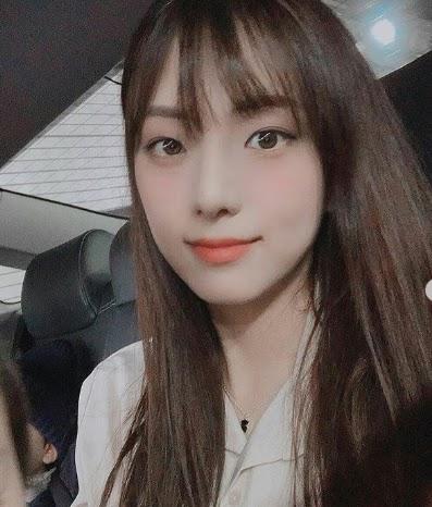 kim-jisoo-sister