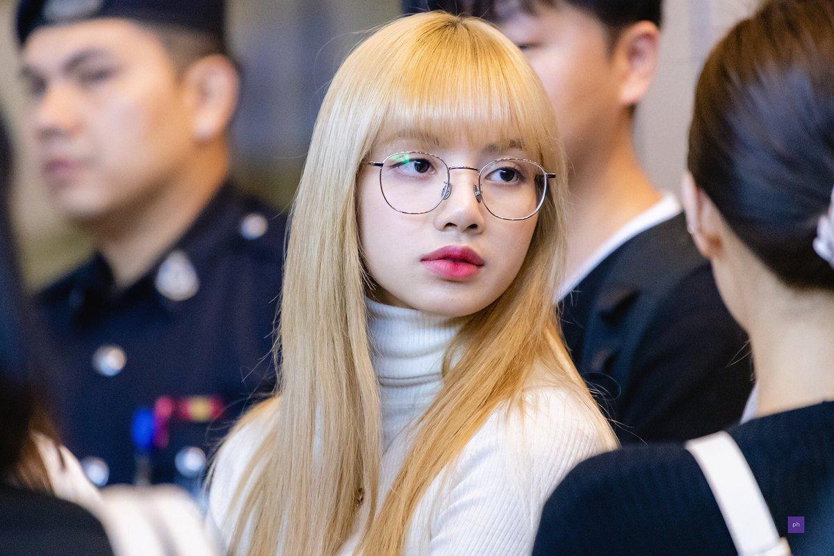 Лиза очки