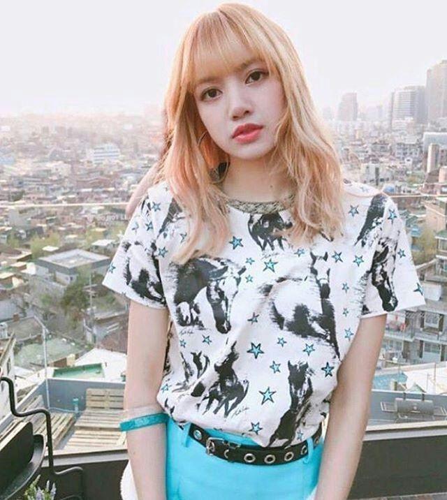 lisa blonde 1