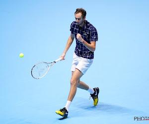 Daniil Medvedev haalt het van Stefanos Tsitsipas en plaatst zich voor finale Australian Open