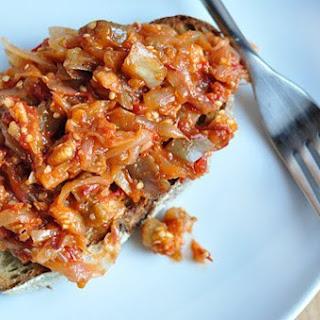 Jammy Tomato-Onion Sauce