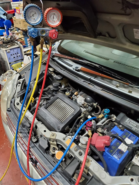 ミラ L250Sのエアコン,エアコンガス補充,エアコン潤滑剤に関するカスタム&メンテナンスの投稿画像5枚目