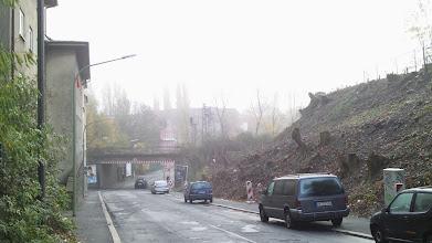 Photo: Die Kuhlestraße oberhalb der Bahnüberführung an der Weidestraße im Umbruch (Bau der Bahnhofshinterfahrung).