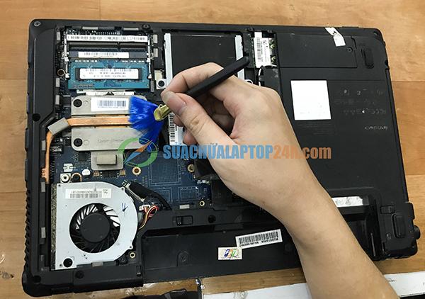 cách vệ sinh laptop 2