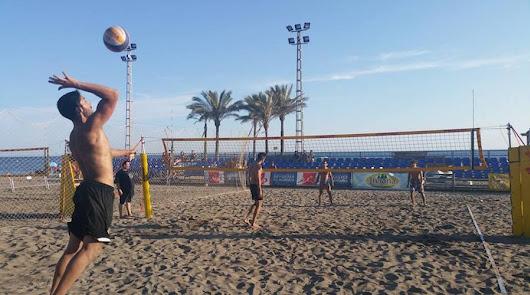 Vóley, pádel y tenis, deportes autorizados en las playas desde el 1 de junio