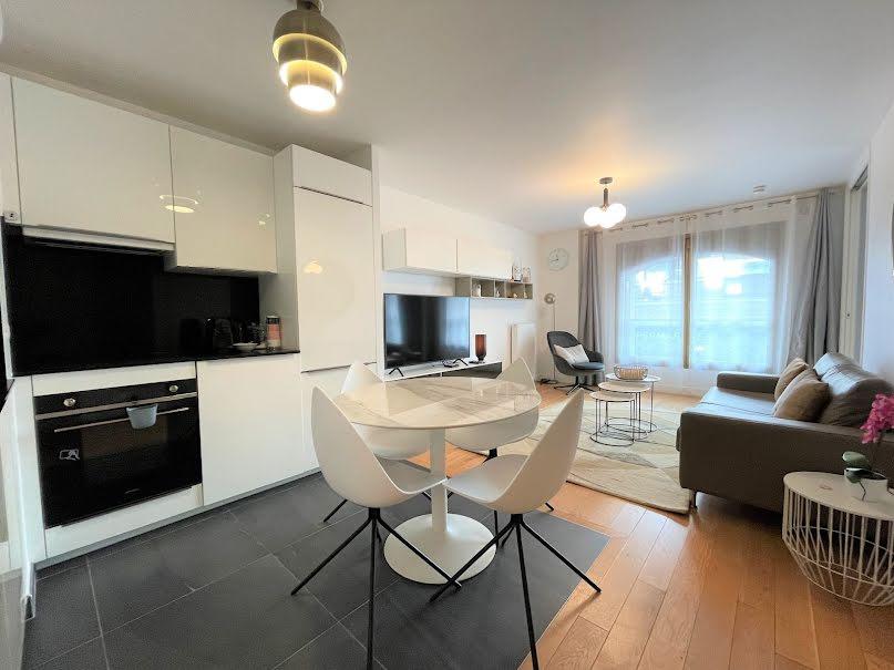 Location meublée appartement 2 pièces 55 m² à Paris 16ème (75016), 2 600 €