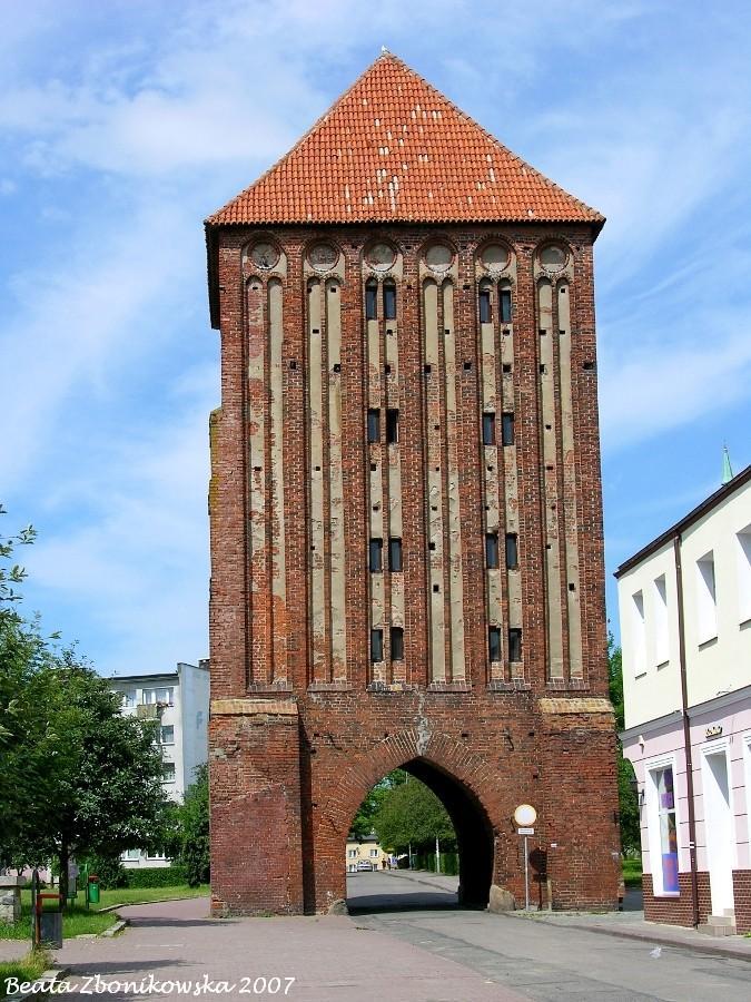 Znalezione obrazy dla zapytania brama koszalińska sławno obrazy