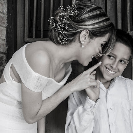 Fotógrafo de bodas Frengy Alvarado (Frengy). Foto del 12.10.2017