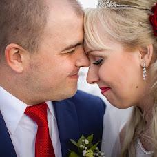 Wedding photographer Polina Rumyanceva (polinahecate2805). Photo of 01.08.2016