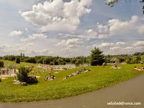 Photo: La plage de la base de loisirs de Bois le Roi - E-guide balade circuit à vélo sur les Bords de Seine à Bois le Roi par veloiledefrance.com.