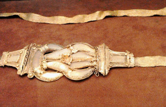 Photo: Gold belt with Heraclian knot decorated with flowers and doves, late 3rd-early 2nd century BC