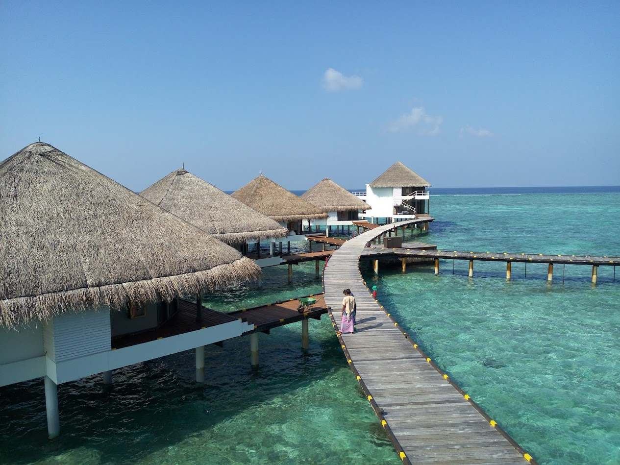 Adaaran Club Rannalhi 4* домики на воде
