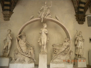 Photo: Fountain for the Sala Grande (the upper Juno and peacocks are copies of the original, which are placed aside)