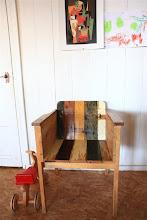 Photo: 廃材使用の椅子