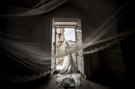 Wedding photographer Leonardo Scarriglia (leonardoscarrig). Photo of 13.11.2017