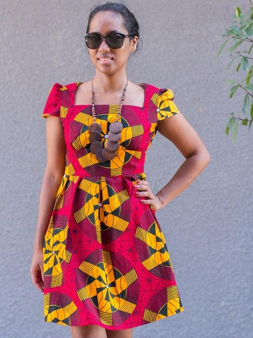 Mod le tenue femme africaine applications android sur for Applications robe de mariage pour android