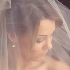Wedding photographer Lena Mishnyakova (Limi). Photo of 01.04.2013
