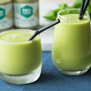 Easy and Healthy Green Smoothie with Hemp Butter.