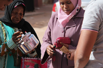 Photo: local women at the markets in Ain Salah
