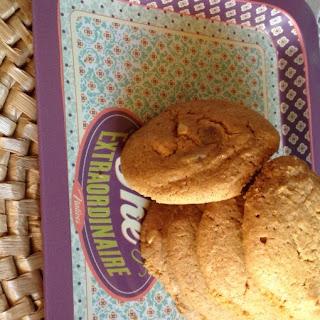 Crispy Caramel Peanut Cookies