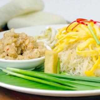 Coconut Vermicelli Noodle (Mee Kati).
