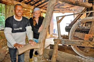 Photo: Na mesma roda: nativo da Costa e Marina, pesquisadora da sociobiodiversidade