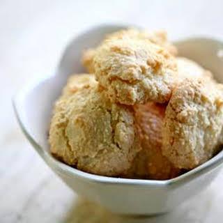 Amaretti Cookies.
