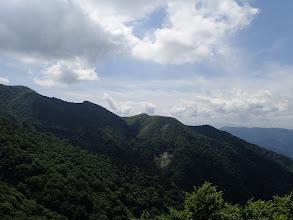 浄法寺山の南尾根(電波反射板が見える)