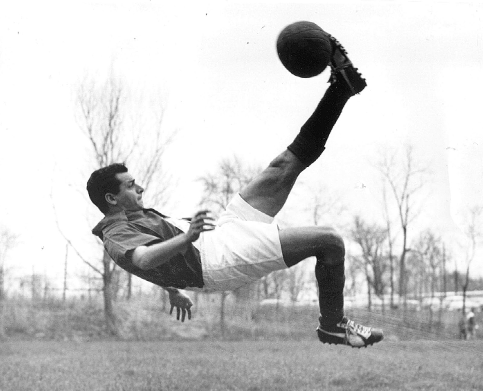 Overhead kick in black and white from history  (advanced soccer moves)