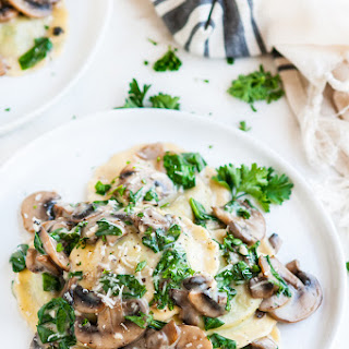 Spinach Ravioli With White Sauce Recipes.