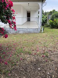 maison à Saint claude (971)