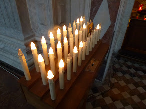 Photo: Donate to lid an lectronic candle