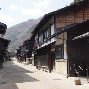 情緒あふれる昔なつかしい中山道の宿場町「奈良井宿」でほっこり散歩を楽しむ