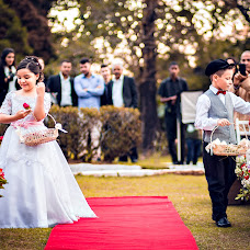 Wedding photographer Adilson Teixeira (AdilsonTeixeira). Photo of 04.08.2017