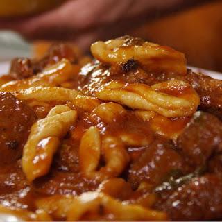 Handmade Pasta With Meat Sauce (cavatelli Lunghi Alla Molisana)