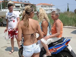 Photo: Motoroznak a lányok :)
