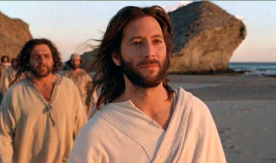 Henry Ian Cusick fue Jesús en Almería antes de ser Desmond en Perdidos.