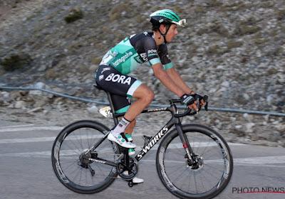 Davide Formolo stapt uit de Vuelta
