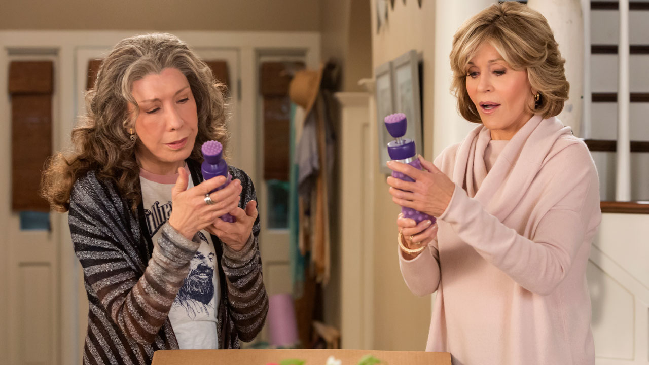 Image result for grace and frankie season 3 gifs