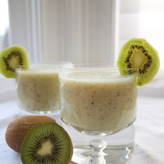 Kiwi Banana Lime Smoothies.
